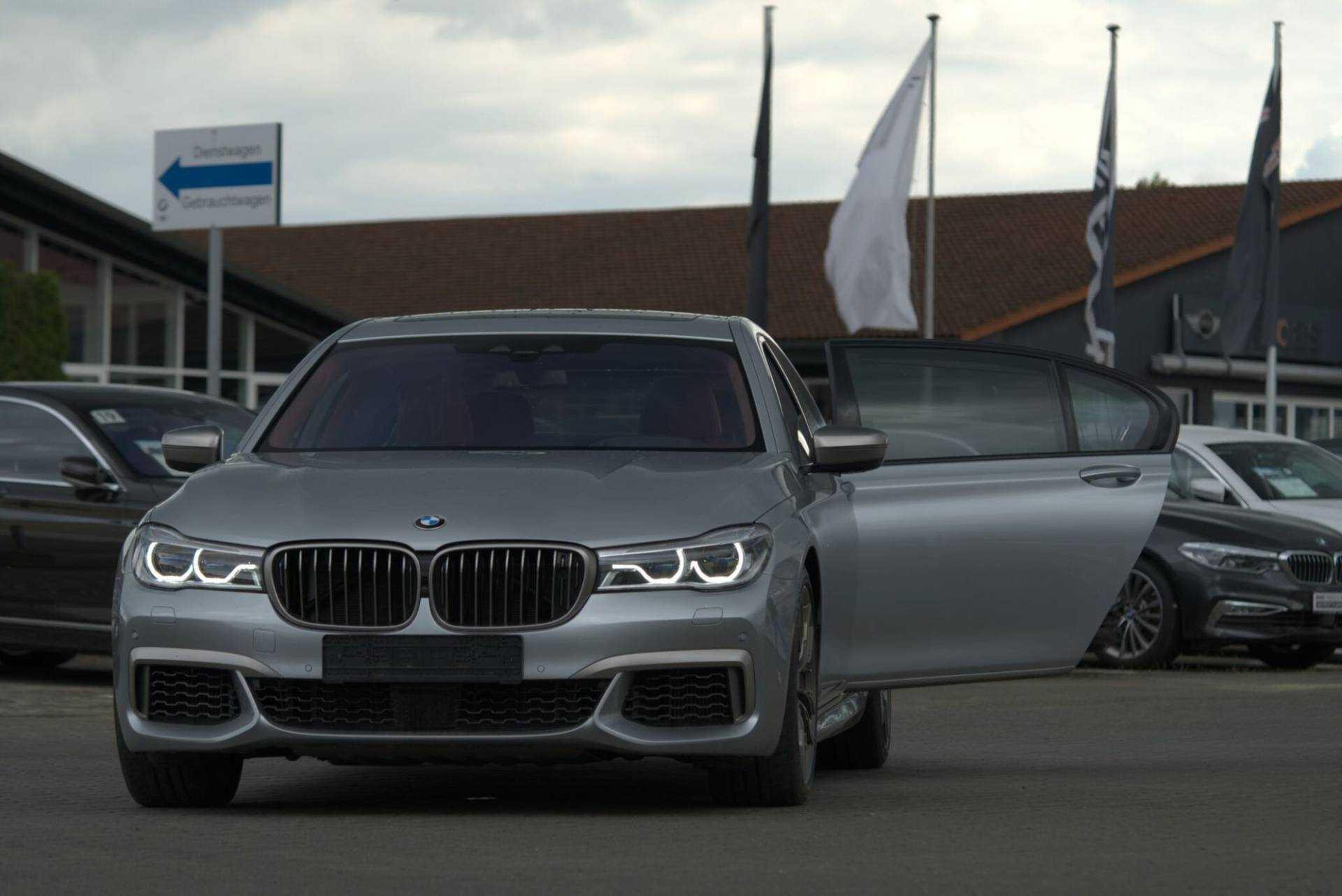 Авто из Германии в Румынию: как найти и поставить на учет?